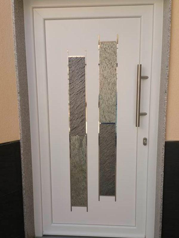 puerta de entrada pvc
